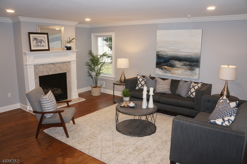 Single Family Homes для того Продажа на Cranford, Нью-Джерси 07016 Соединенные Штаты