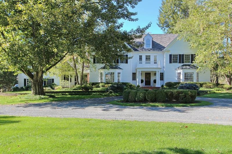 独户住宅 为 销售 在 225 Cedar Ridge Road 贝德明斯特, 新泽西州 07921 美国