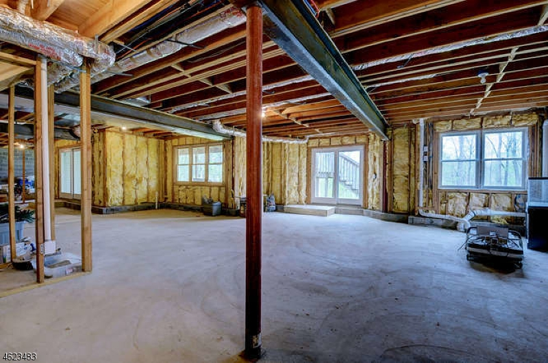 Additional photo for property listing at 944 Route 517  Hackettstown, New Jersey 07840 États-Unis