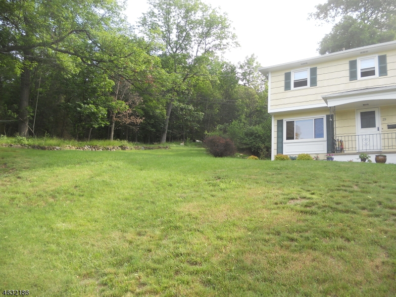 Additional photo for property listing at 29 Whipple Road  Wayne, New Jersey 07470 United States