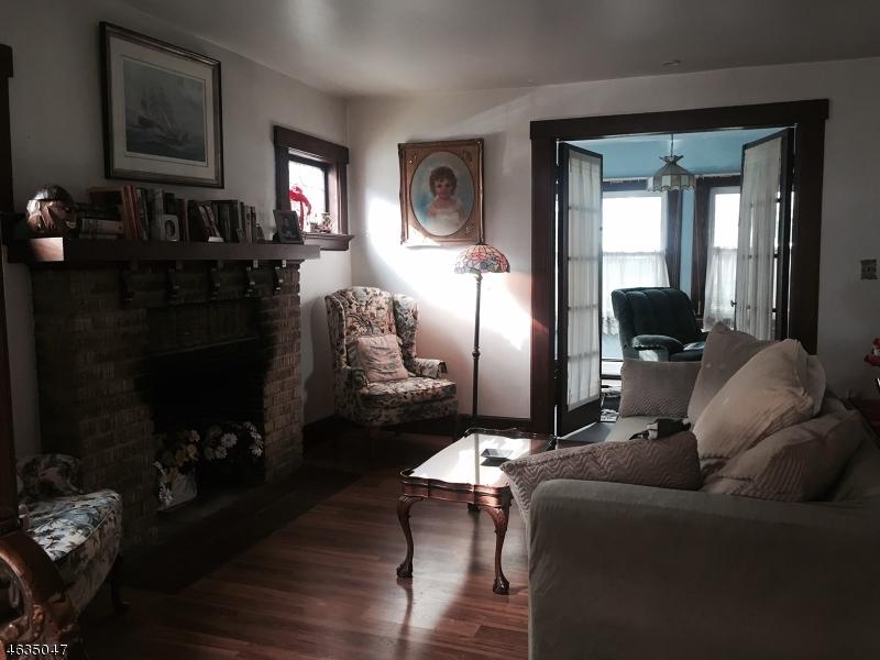 Частный односемейный дом для того Продажа на 52 Adams Place Glen Ridge, 07028 Соединенные Штаты