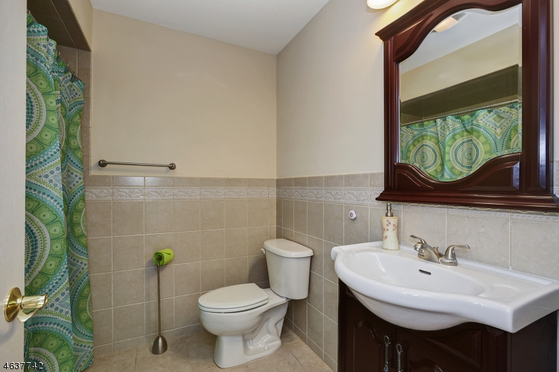 Additional photo for property listing at 60 Johnson Avenue  Cranford, Nueva Jersey 07016 Estados Unidos