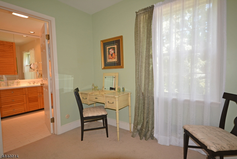 Additional photo for property listing at 90 GLEN EAGLES Drive  Watchung, Нью-Джерси 07069 Соединенные Штаты