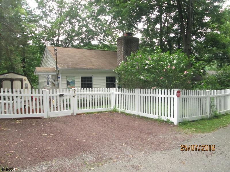 Частный односемейный дом для того Продажа на 947 S Shore Ter Newton, Нью-Джерси 07860 Соединенные Штаты