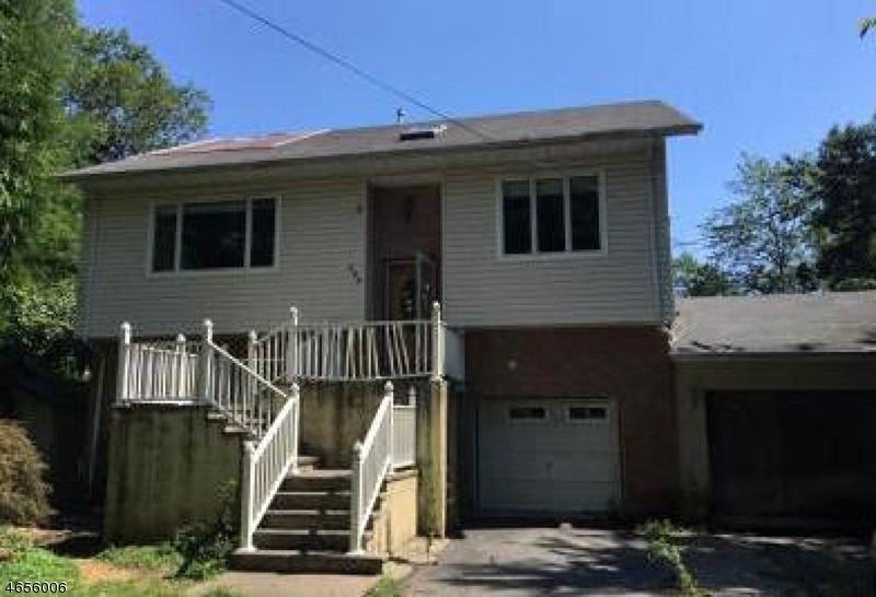 独户住宅 为 销售 在 120 Kent Avenue 韦恩, 新泽西州 07470 美国