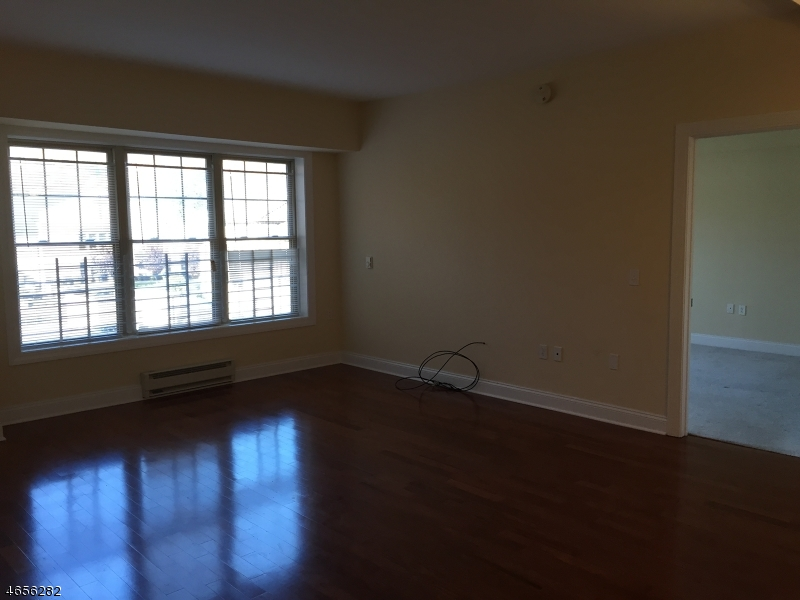 Additional photo for property listing at 48 S Park St 307  Montclair, Nueva Jersey 07042 Estados Unidos