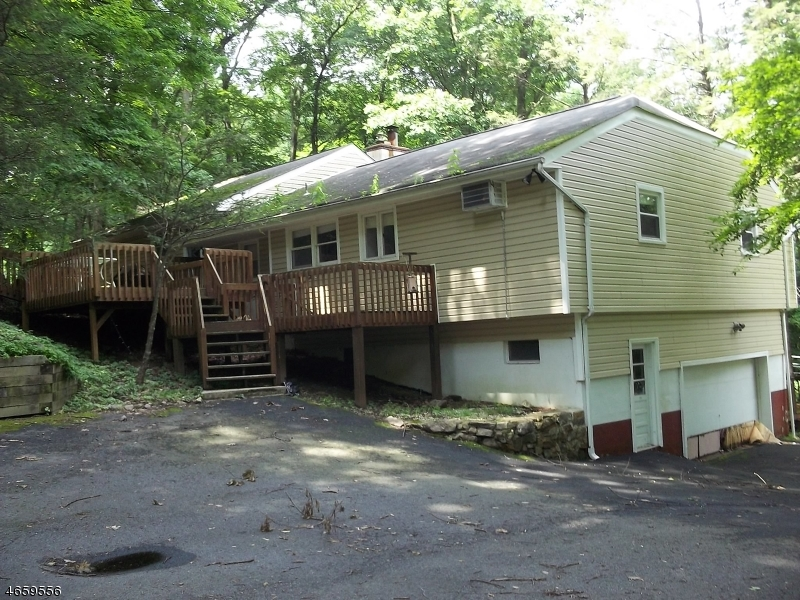 Additional photo for property listing at 555 E Shore Trail  Sparta, New Jersey 07871 United States