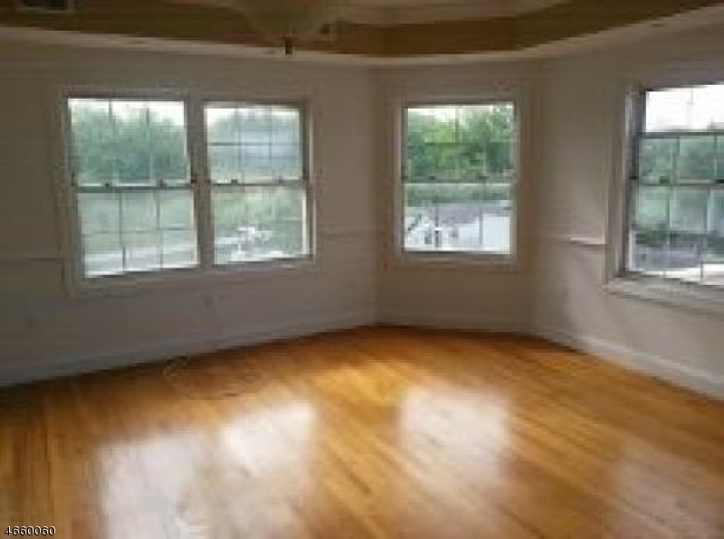 Additional photo for property listing at 902 N 5th Street  Newark, New Jersey 07107 United States