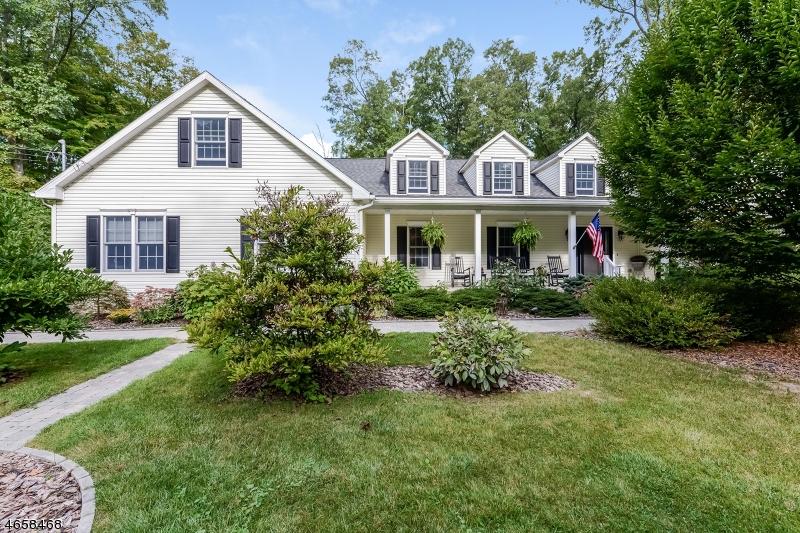 Частный односемейный дом для того Продажа на 121 MOUNTAIN LAKE Road Belvidere, 07823 Соединенные Штаты