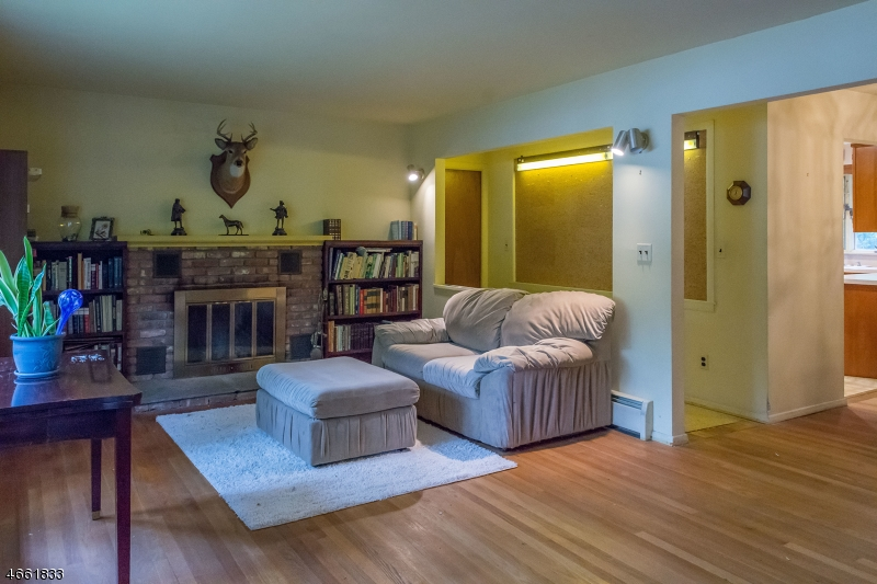 Additional photo for property listing at 32 Iowa Road  Wayne, New Jersey 07470 États-Unis