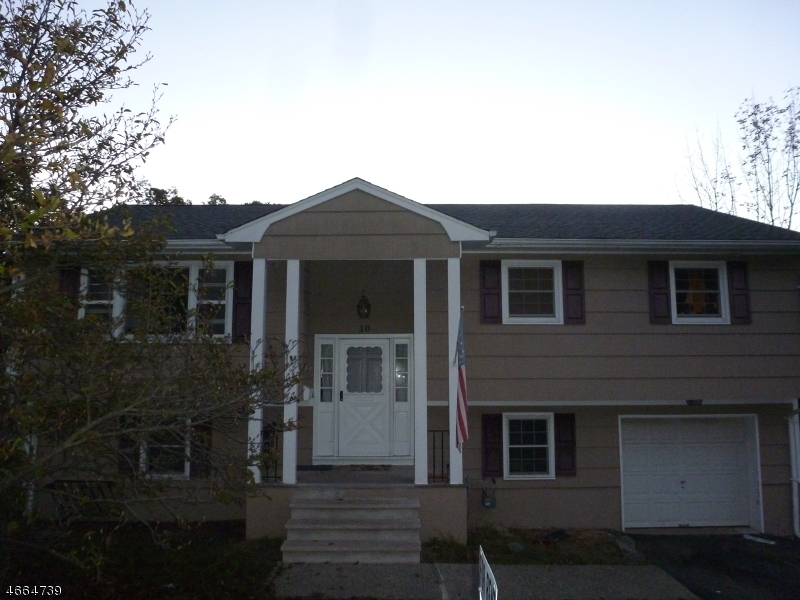 Additional photo for property listing at 10 Cedar Street  Butler, Нью-Джерси 07405 Соединенные Штаты