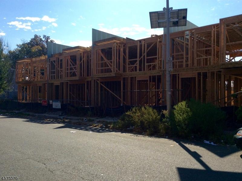 独户住宅 为 销售 在 21 Eaton Place East Orange, 新泽西州 07017 美国