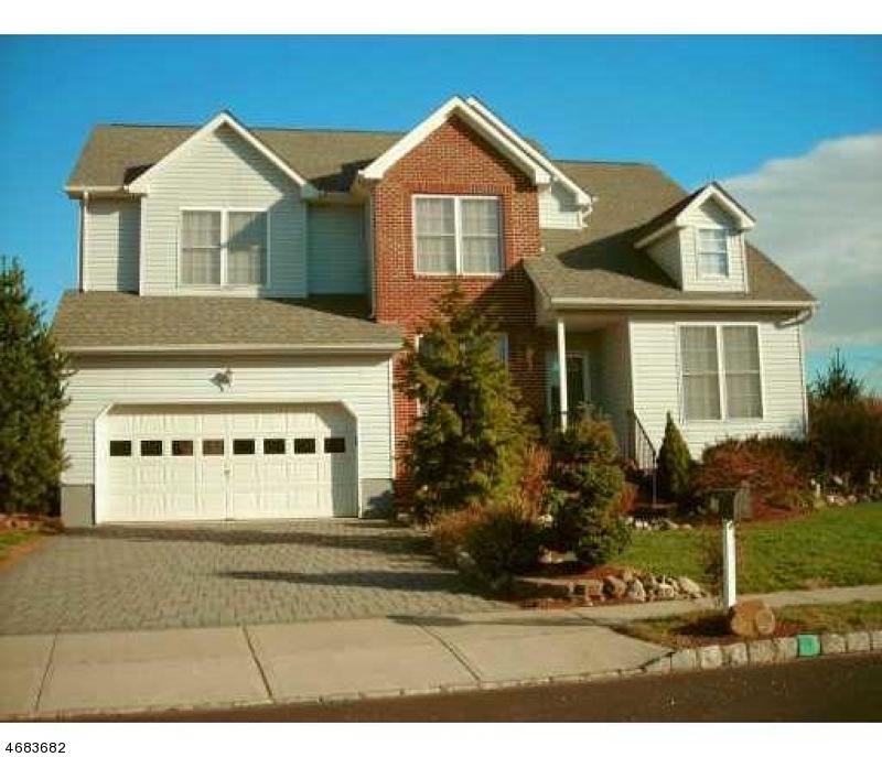 Casa Unifamiliar por un Alquiler en 42 Lexington Road Monmouth Junction, Nueva Jersey 08852 Estados Unidos