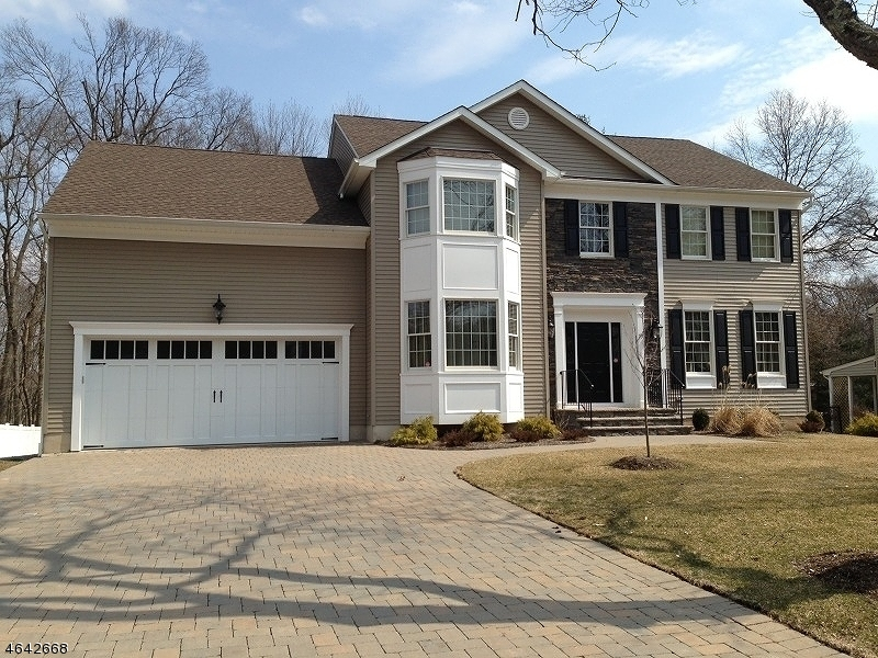 Single Family Home for Sale at 1 Seneca Court Mount Olive, 07840 United States