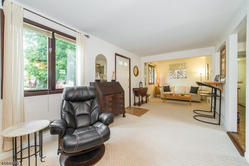 独户住宅 为 销售 在 28 Franklin Road 蒂内克市, 07666 美国