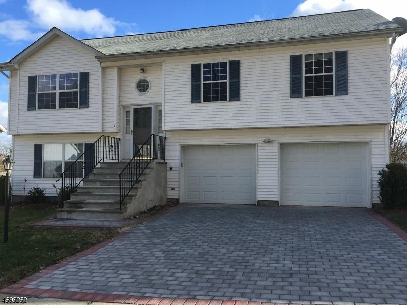 Частный односемейный дом для того Продажа на 15 Julia Ter Dover, 07801 Соединенные Штаты