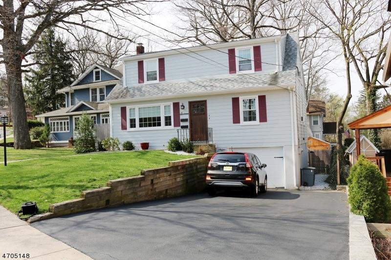 Maison unifamiliale pour l à louer à 16 Oak Grove Road Caldwell, New Jersey 07006 États-Unis