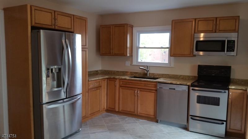 Частный односемейный дом для того Аренда на 163 Baldwin Place Bloomfield, Нью-Джерси 07003 Соединенные Штаты