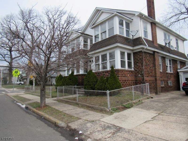 متعددة للعائلات الرئيسية للـ Sale في 243 Holmes Street 243 Holmes Street Belleville, New Jersey 07109 United States