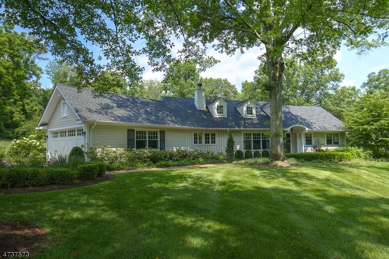 واحد منزل الأسرة للـ Sale في 44 Old Farm Road Bernards Township, New Jersey 07920 United States