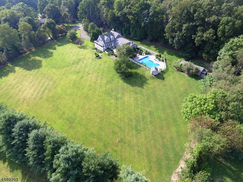Additional photo for property listing at 105 Guinea Hollow Road  Califon, New Jersey 07830 Usa