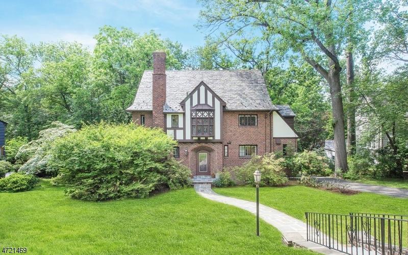 واحد منزل الأسرة للـ Sale في 50 Afterglow Avenue 50 Afterglow Avenue Verona, New Jersey 07044 United States