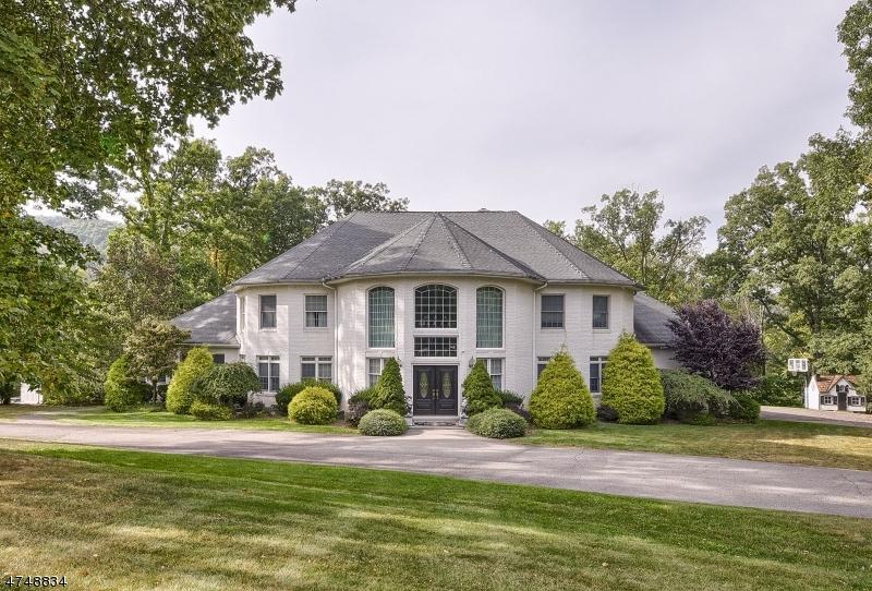 Maison unifamiliale pour l Vente à 20 W Sunset Road Pequannock, New Jersey 07444 États-Unis