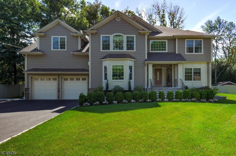 Maison unifamiliale pour l Vente à 27 Libby Avenue Pequannock, New Jersey 07444 États-Unis