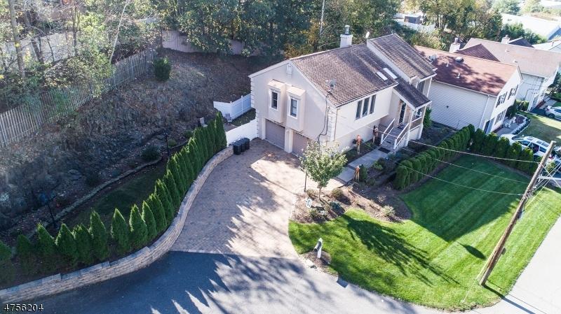 Einfamilienhaus für Verkauf beim 12 Briarwood Court 12 Briarwood Court Woodland Park, New Jersey 07424 Vereinigte Staaten