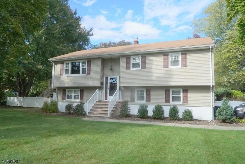 Casa Unifamiliar por un Venta en 70 Duncan Avenue Pequannock, Nueva Jersey 07440 Estados Unidos