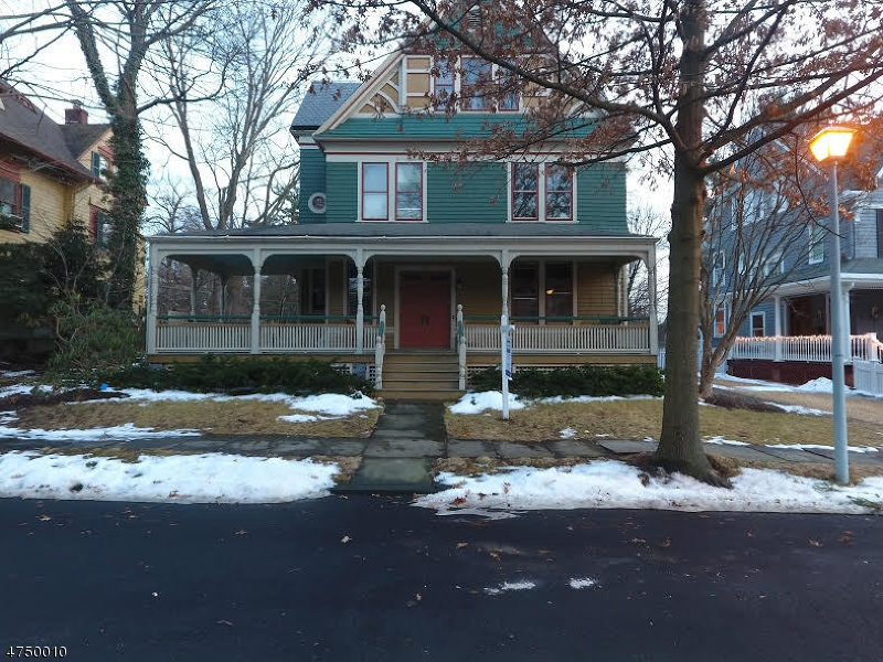 Частный односемейный дом для того Продажа на 14 Farragut Place Morristown, Нью-Джерси 07960 Соединенные Штаты