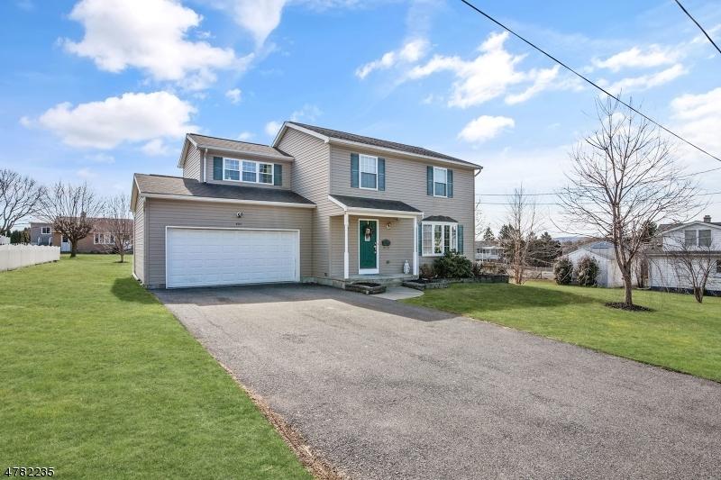 Maison unifamiliale pour l Vente à 405 Hunterdon Street Alpha, New Jersey 08865 États-Unis