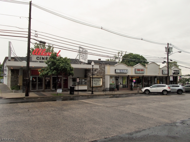 Commercial pour l à louer à 88 Market Street Clifton, New Jersey 07012 États-Unis