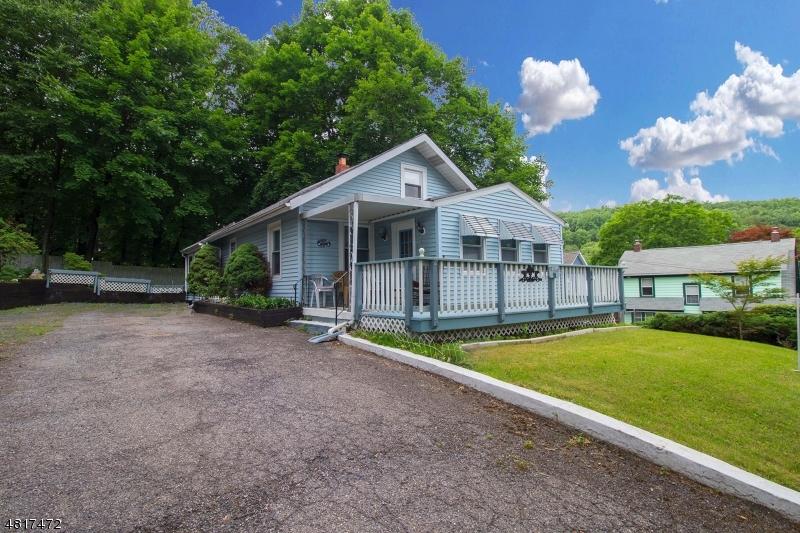 Частный односемейный дом для того Продажа на 26 LARRISON Road High Bridge, Нью-Джерси 08829 Соединенные Штаты