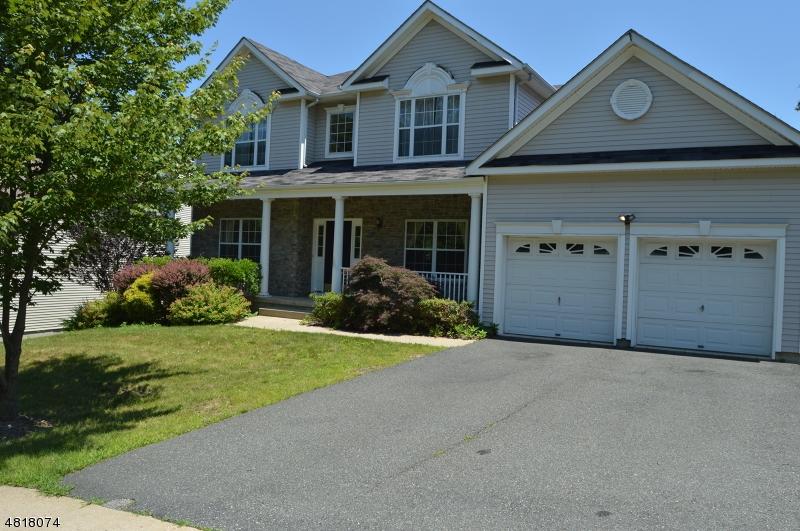 独户住宅 为 销售 在 583 SKYLINE Drive Jefferson Township, 新泽西州 07849 美国