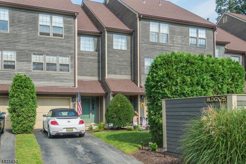 公寓 / 联排别墅 为 销售 在 25 FOXBORO Lane 西米尔福德, 新泽西州 07480 美国