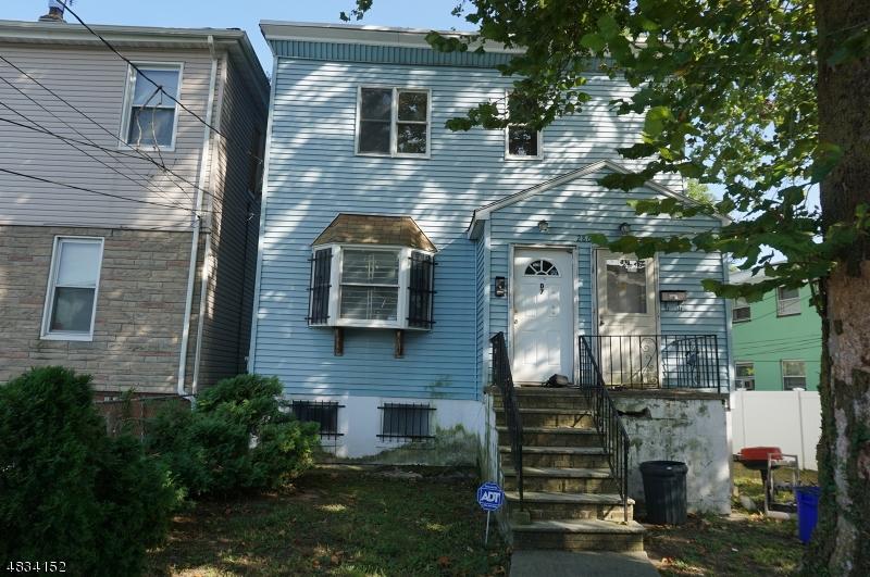 Condo / Townhouse pour l Vente à 286 OGDEN Street Orange, New Jersey 07050 États-Unis