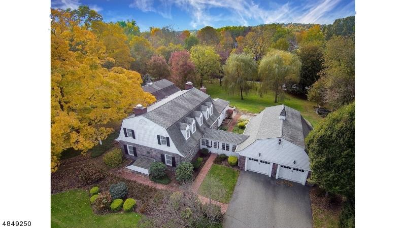 Einfamilienhaus für Verkauf beim 23 LAAUWE Avenue Wayne, New Jersey 07470 Vereinigte Staaten