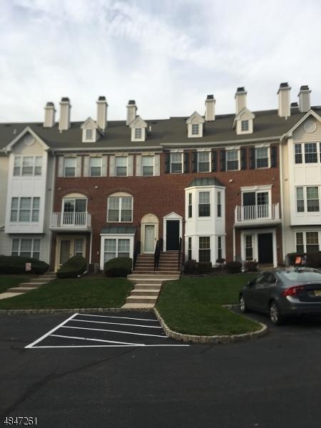 Condo / Townhouse pour l à louer à 4203 RIDDLE COURT Bridgewater, New Jersey 08807 États-Unis