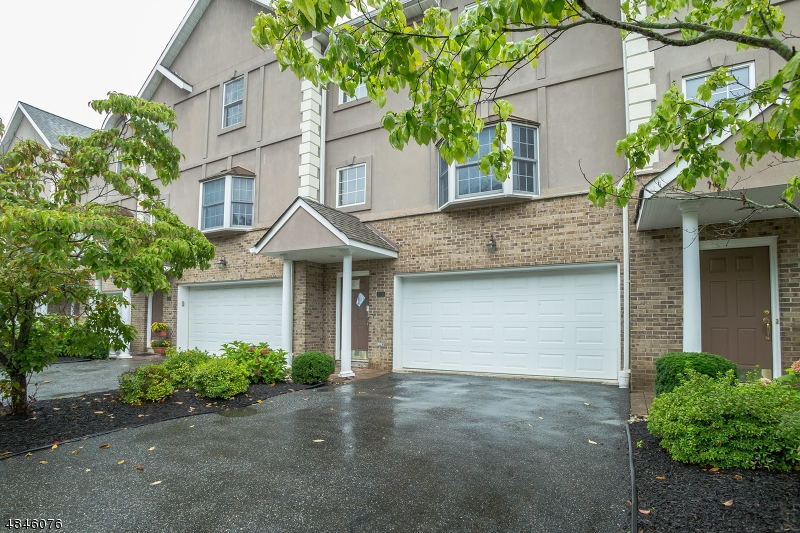 Condo / Townhouse for Sale at 142 DEMAREST Lane Montvale, New Jersey 07645 United States