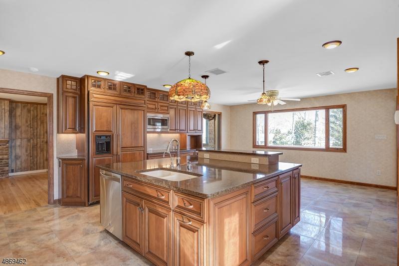 Casa Unifamiliar por un Venta en 400 SUMMIT Road Mountainside, Nueva Jersey 07092 Estados Unidos
