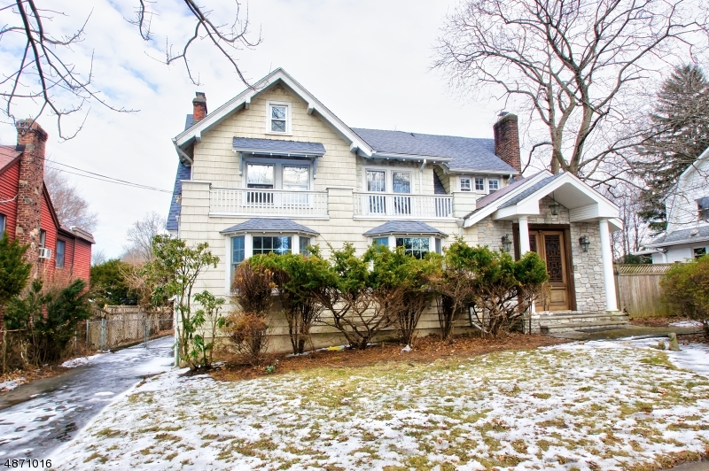 Single Family Home for Sale at 139 LONGVIEW Avenue Leonia, New Jersey 07605 United States