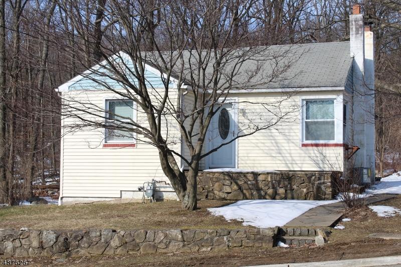Vivienda unifamiliar por un Alquiler en 2 MOONEY Road Roxbury Township, Nueva Jersey 07836 Estados Unidos