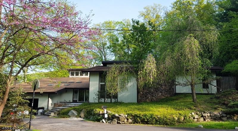 Single Family Homes para Venda às Byram Township, Nova Jersey 07871 Estados Unidos