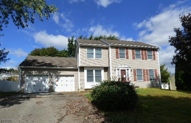 Single Family Homes för Försäljning vid Alpha, New Jersey 08865 Förenta staterna