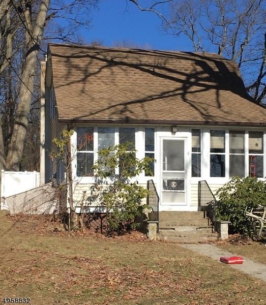 Single Family Homes для того Продажа на Stanhope, Нью-Джерси 07874 Соединенные Штаты