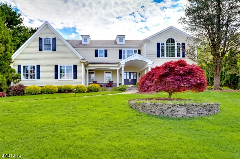 Single Family Homes for Sale at Wyckoff, New Jersey 07481 United States