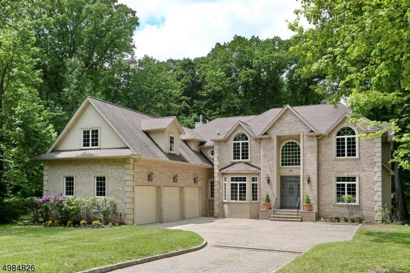 Single Family Homes para Venda às Allendale, Nova Jersey 07401 Estados Unidos