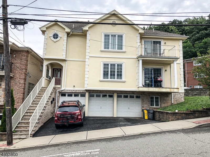 Condo / Townhouse for Sale at Fairview, New Jersey 07022 United States