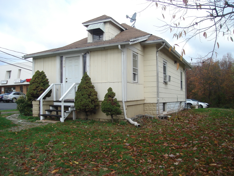 Additional photo for property listing at 719 E Main Street  Bridgewater, New Jersey 08807 United States
